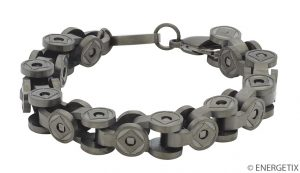 Magnetic bracelet which is designed like a bike chain